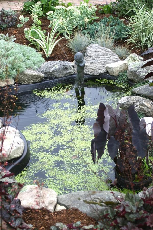 Garden_tour_fountain